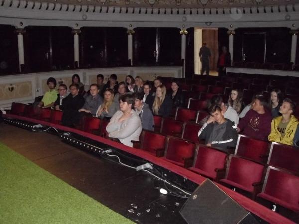 v_divadle