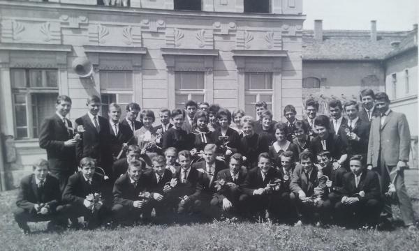 absolventi_1963_-_4
